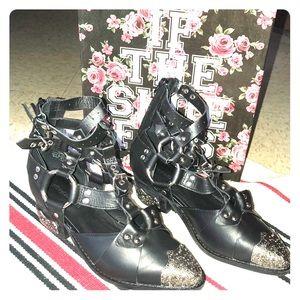 Temeku boots